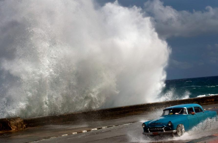 Super Storm Hurricane Sandy in havana